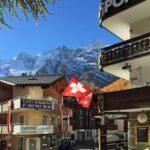 Самое важное за неделю: все больше желающих получить швейцарский паспорт и испанское жилье